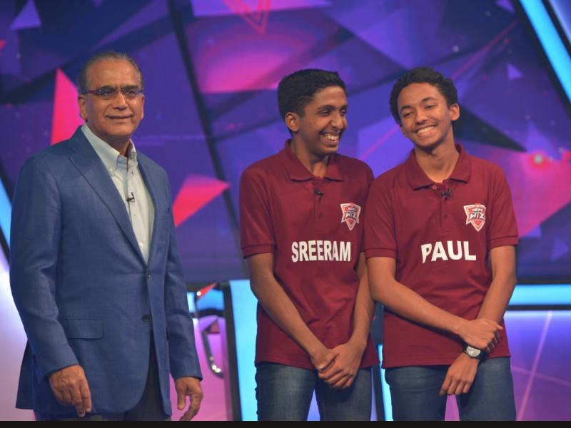 Mr Aroon Purie, Chairman & Editor-in-Chief, India Today Group with the winners of News Wiz Season 3 - Sreeram Madhavan V & Paul Binu, Bharatiya Vidya Bhavan's Vidya Mandir